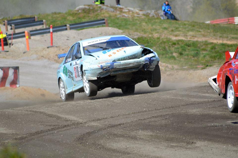 I full fart med en preget bil. Foto: Kim Lyshaug